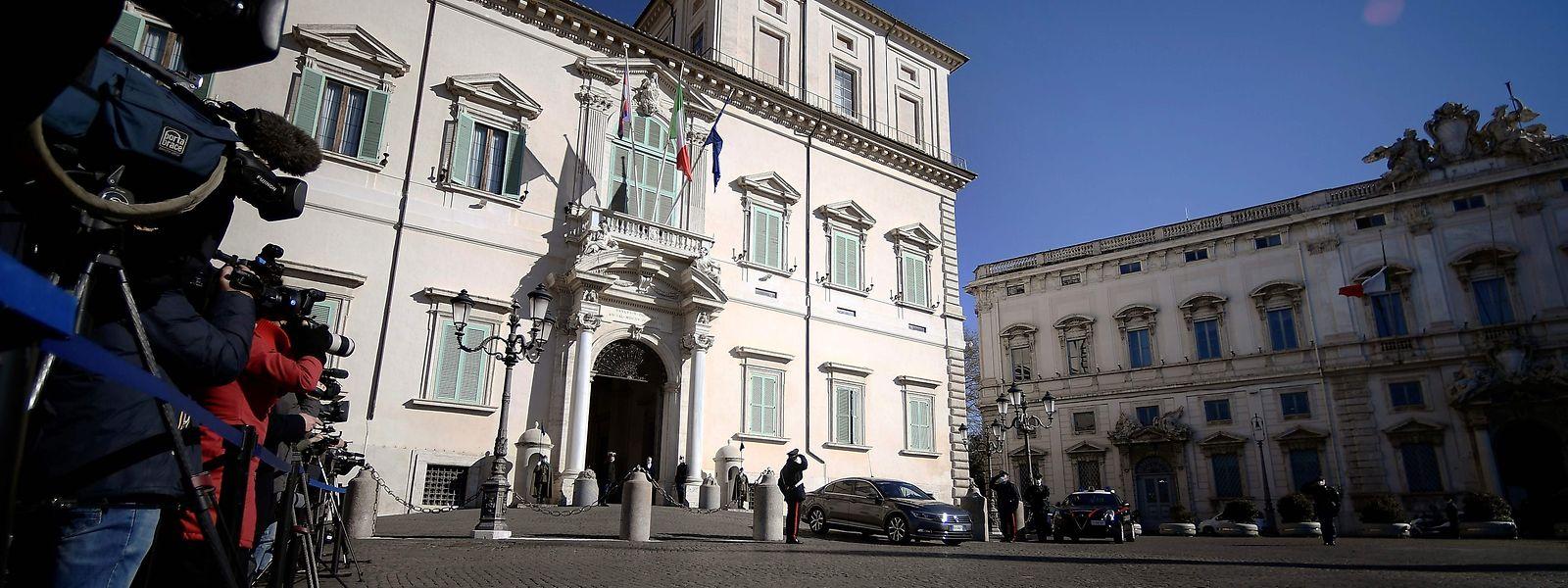 Der weitere Verlauf der Regierungskrise entscheidet sich nun im Präsidentenpalast in Rom, wo Guiseppe Conte hofft, erneut den Auftrag zur Regierungsbildung zu erhalten.