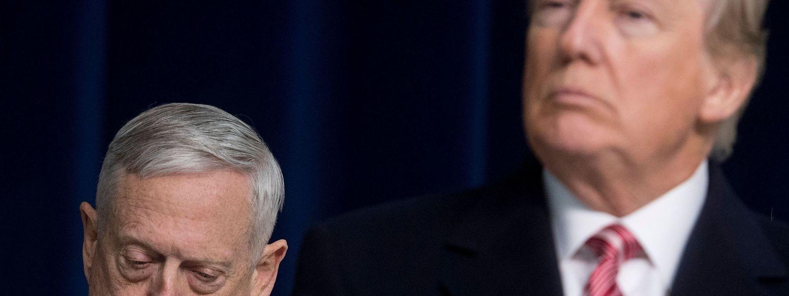 Der US-Verteidigungsminister Jim Mattis hat wegen unüberbrückbarer Differenzen mit Präsident Donald Trump seinen Rücktritt eingereicht. Trumps Entscheidung, die US-Truppen aus Syrien abzuziehen, dürfte das Fass zum Überlaufen gebracht haben.