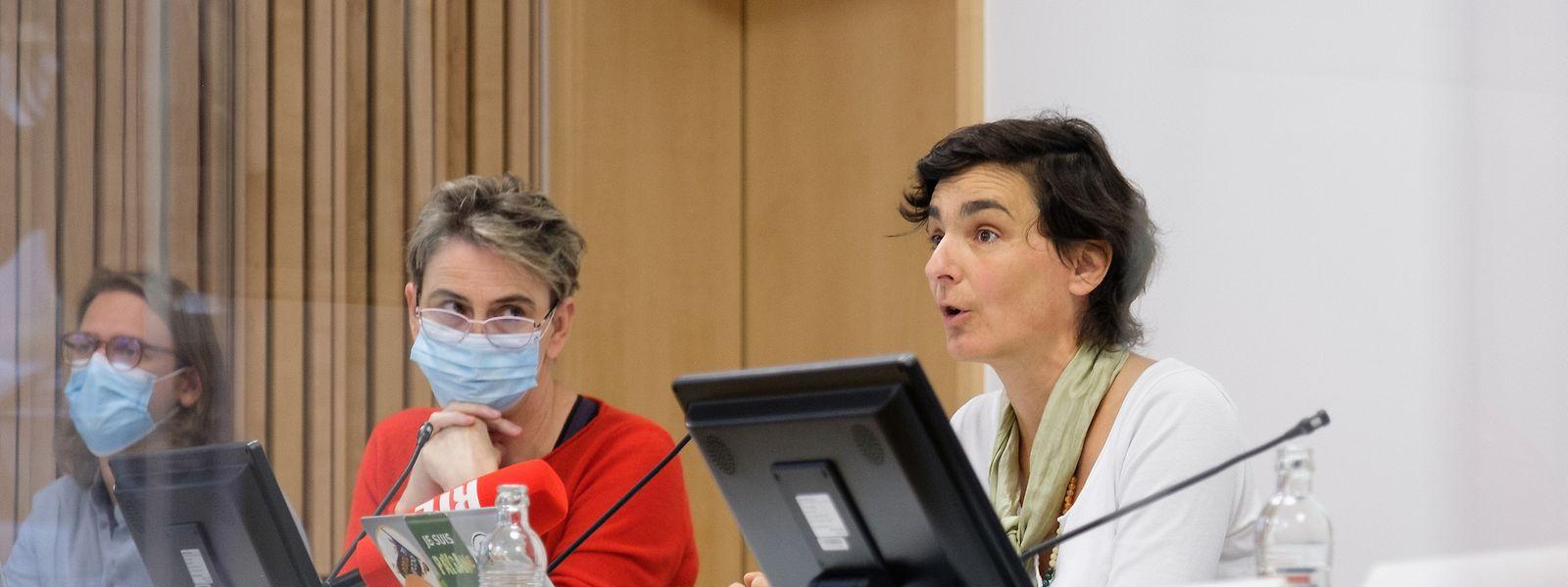 Martina Holbach von Greenpeace Luxembourg und Marine Lefebvre von SOS Faim kritisieren Luxemburgs Sustainable Finance Strategy.