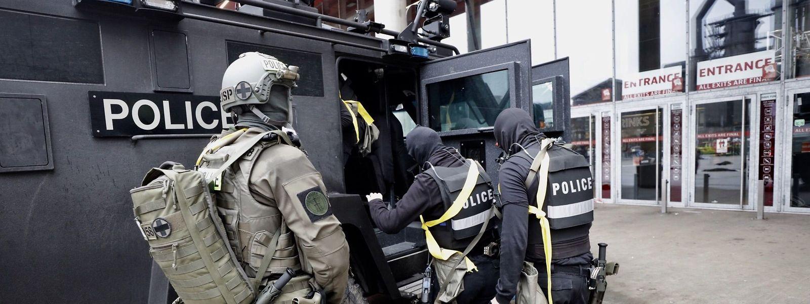 Mehr als 1.200 Menschen nehmen an der Anti-Terrorübung in Belval teil.