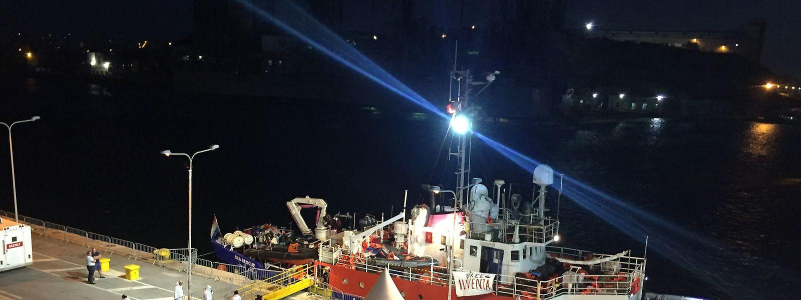 Das blockierte Flüchtlings-Rettungsschiff der deutschen Hilfsorganisation «Lifeline» im Hafen von Valetta.