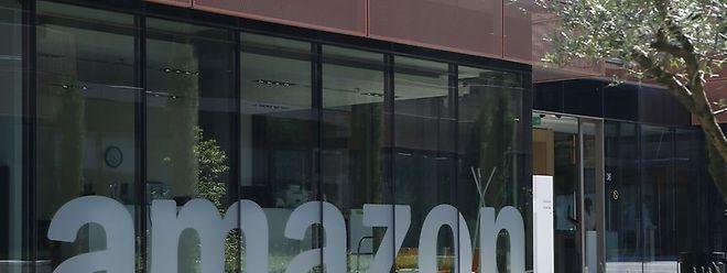 Amazon rétorque: «Nous pensons qu'Amazon n'a reçu aucun traitement spécial de la part du Luxembourg et que nous avons payé nos impôts en totale conformité à la fois avec les règles fiscales internationales et luxembourgeoises».