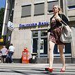 Die Deutsche Bank kämpft an mehreren Baustellen um ihren Ruf und will zurück in die Gewinnzone.