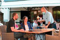 Télécran, Restaurant Petry, Terrasse in Vianden, , Foto: Guy Wolff/Télécran