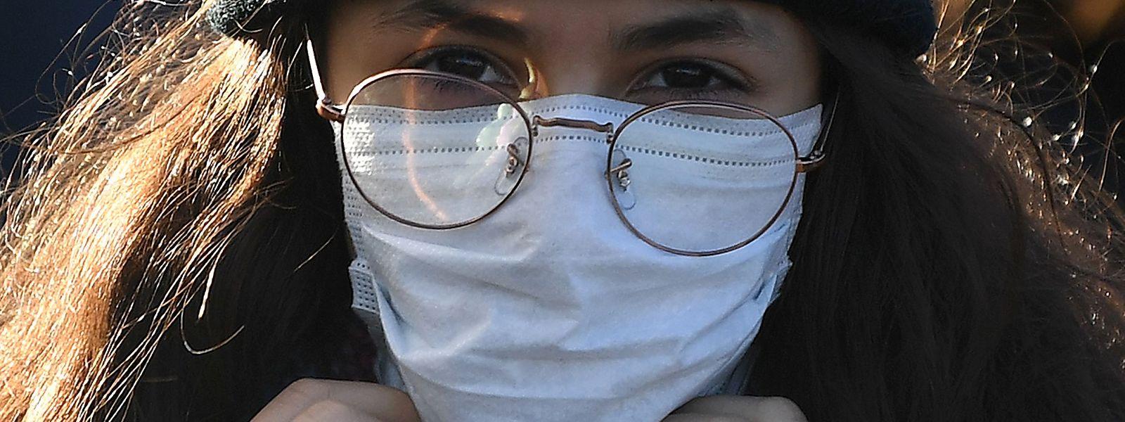 Le ministère de la Santé a tenu à rappeler l'inefficacité des masques de protection.