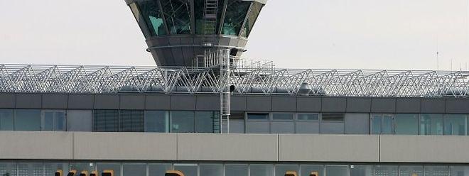 Die Bombendrohung sorgte am Sonntag für gehörige Aufregung am Flughafen Köln-Bonn.