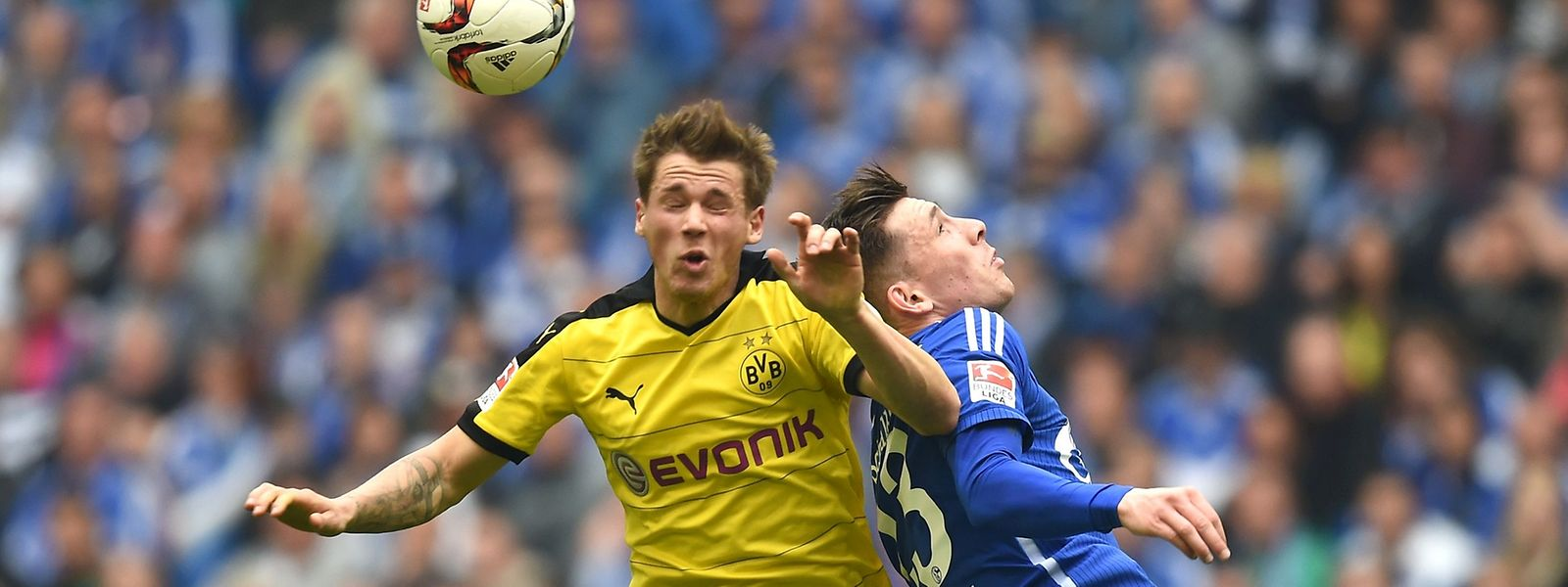 Erik Durm und der BVB könnten künftig am Montagabend auf Pierre-Emile Höjbjerg und Schalke 04 treffen.