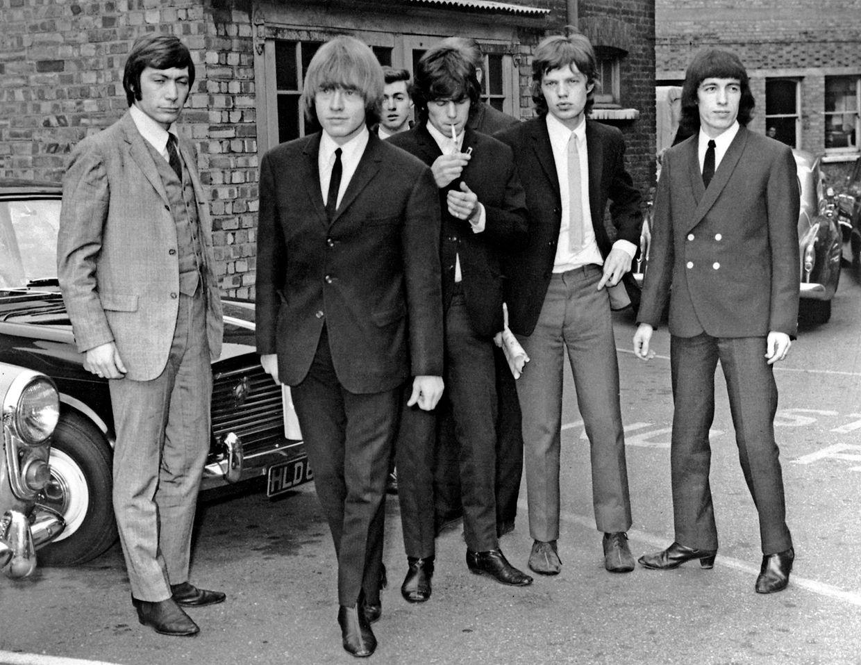 1965: Charlie Watts, Gittarist  Brian Jones, Gittarist Keith Richards, Sänger Mick Jagger und Bassgittarist Bill Wyman. (v.l.n.r)