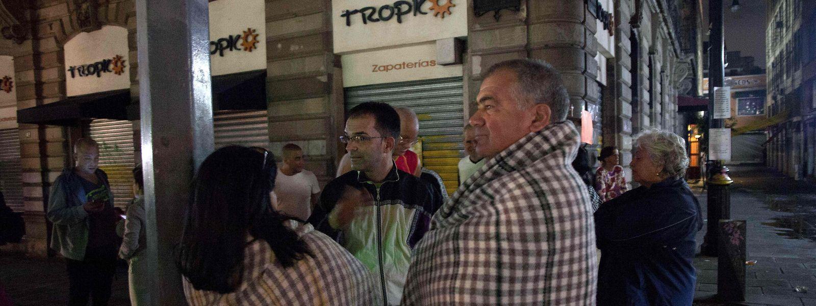In Mexiko-Stadt verbrachten Einwohner die Nacht im Freien.
