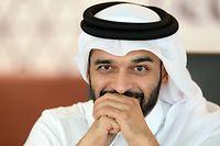 ARCHIV - 09.01.2017, Katar, Doha: Der Generalsekretär des Organisationskomitees der Fußball-Weltmeisterschaft 2022, Hassan Al-Thawadi, während eines Pressegesprächs in einem Konferenzraum des Al Bidda Tower, dem Sitz des Komitees. In 1000 Tagen wird die WM in Katar angepfiffen. Das Weltereignis wird seit der Vergabe im Jahr 2010 von Kontroversen begleitet. (zu dpa «Noch 1000 Tage bis Katar: Die WM der Zweifel») Foto: Andreas Gebert/dpa +++ dpa-Bildfunk +++