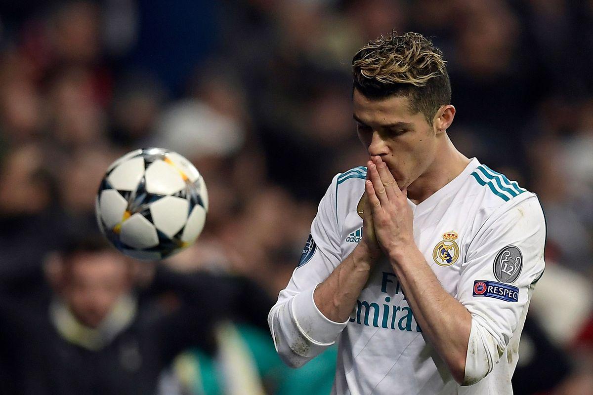 Cristiano Ronaldo marcou a grande penalidade que deu a passagem do Real Madrid às meias-finais da 'Champions'