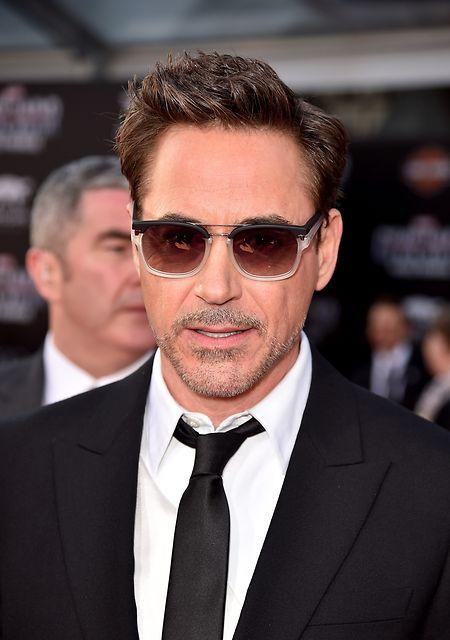 Schauspieler Robert Downey Jr.spricht sich für Hillary Clinton aus.