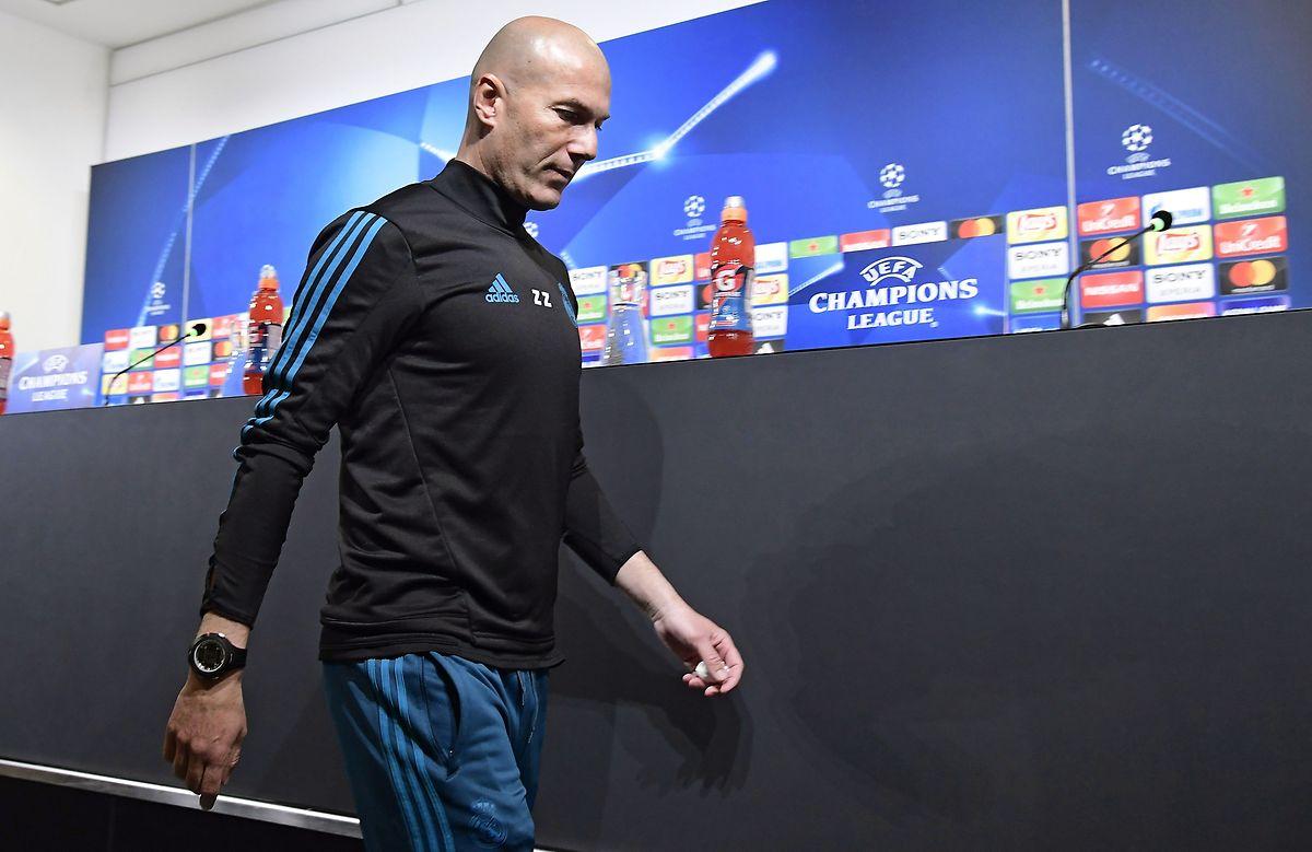 Real Madrids Trainer Zinédine Zidane ist fokussiert.