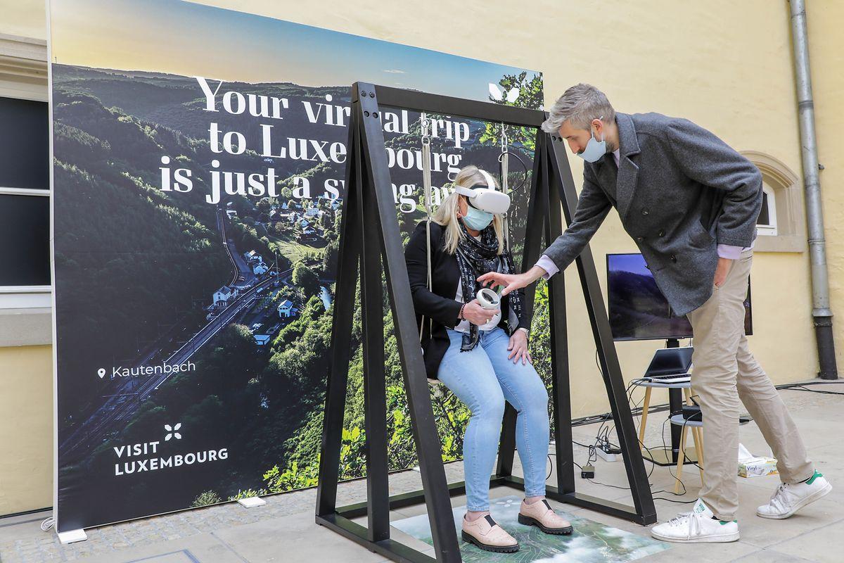 Diese Himmelsschaukel nimmt mit auf Reisen. Mit einem Virtual-Reality-Kit sollen Nutzer sich an die schönsten Orte im Großherzogtum versetzen können.