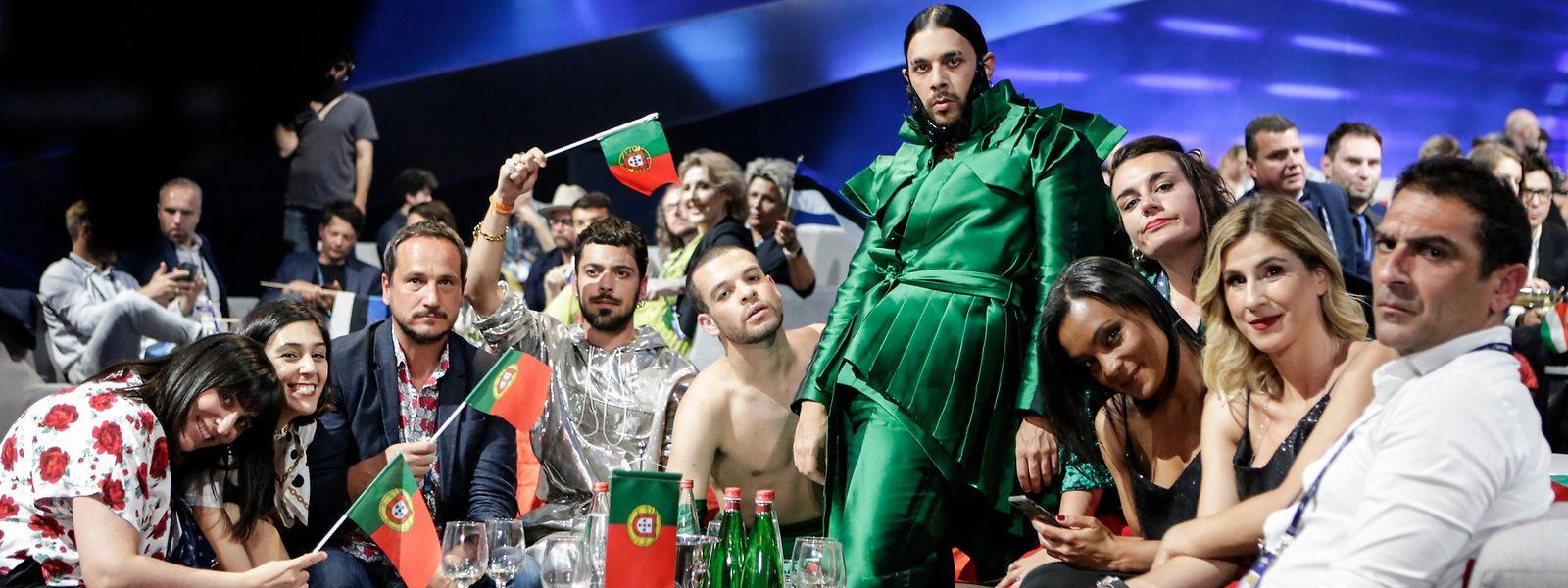 "A comitiva portuguesa na ""green room"", na noite da primeira seminfinal."