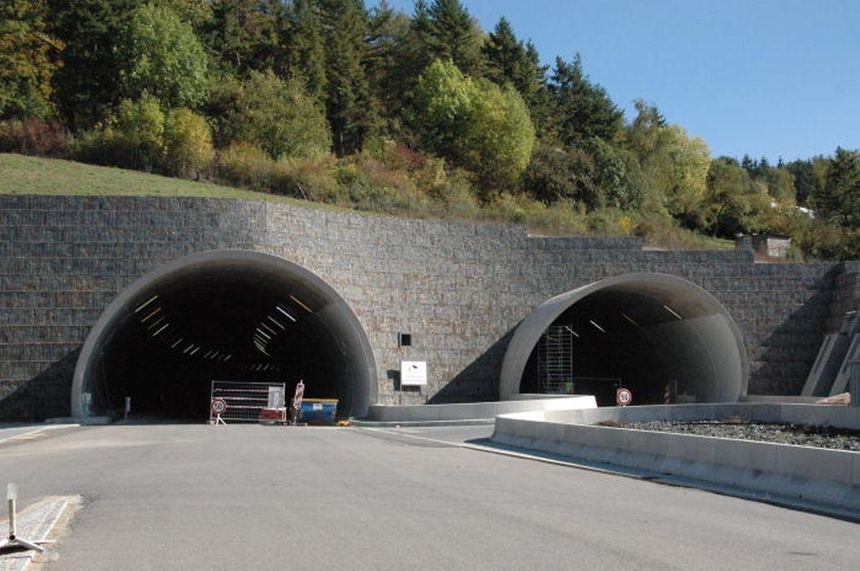 """In den beiden Tunnels """"Grouft"""" und """"Stafelter""""..."""