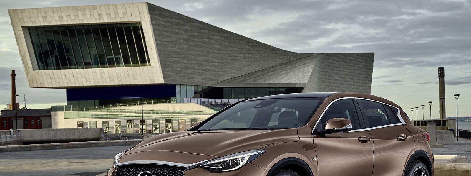 Neu auf dem Golf-Platz: Infiniti zeigt mit dem Q30 das erste eigene Kompaktmodell.