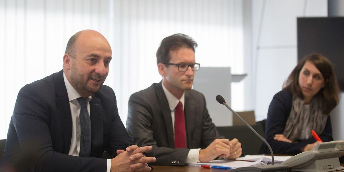 Wirtschaftsminister Etienne Schneider, Carlo Thelen von der Handelskammer und Nancy Thomas von IMS Luxembourg erwarten sich viel von Jeremy Rifkin.