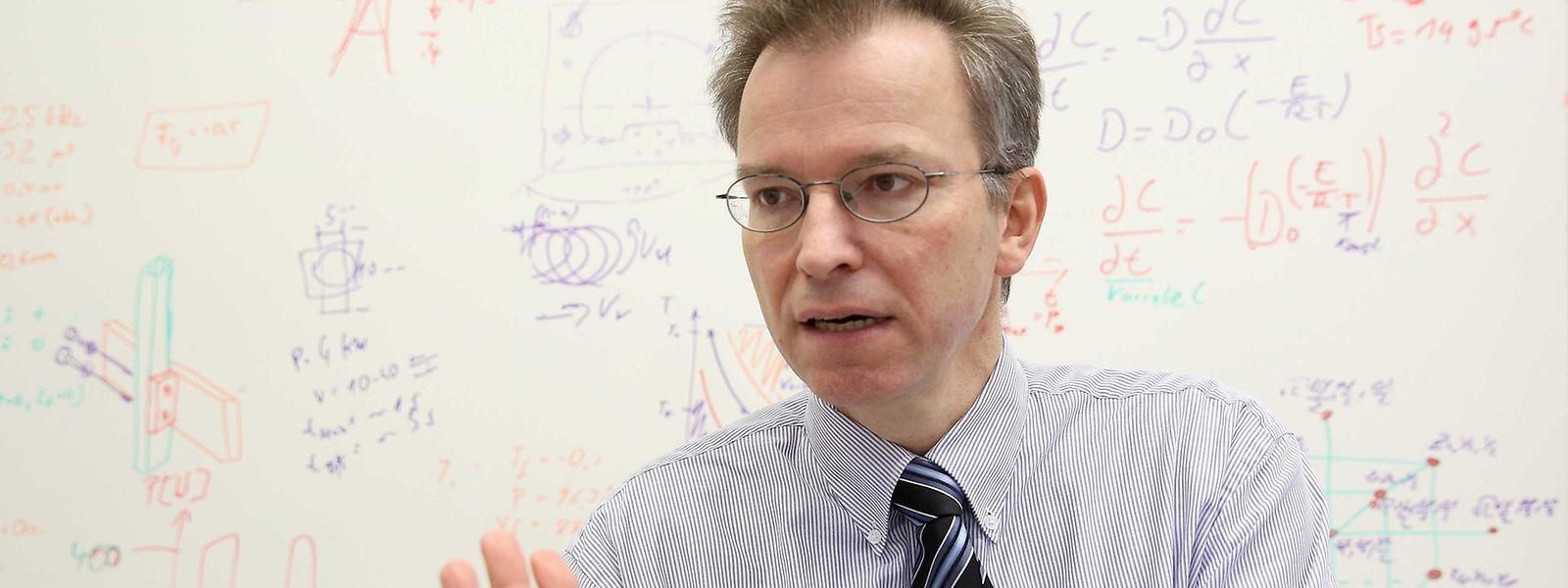Der frühere General-Motors-Manager Peter Plapper hat seit 2010 einen Lehrstuhl für Fertigungstechnik an der Fakultät für Naturwissenschaften, Technik und Kommunikation (FSTC) der Universität Luxemburg.