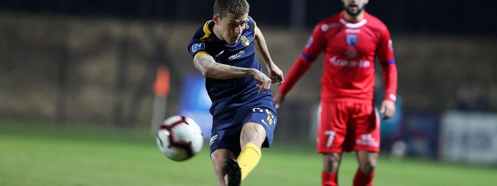 Vincent Thill a inscrit sur penalty son neuvième but de la saison avec Pau en National