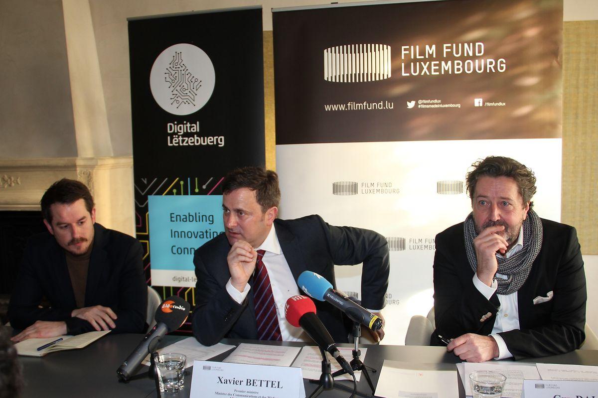 (de g. à dr.) Kevin Muhlen, directeur du Casino Luxembourg, Xavier Bettel, Premier ministre, Guy Daleiden, directeur du Filmfong