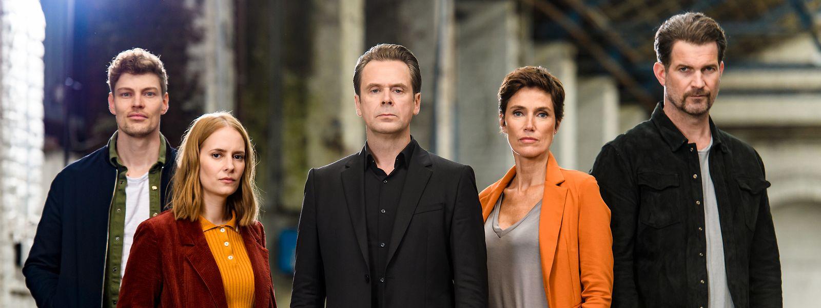 Von links: Daniel Winter (Helgi Schmid), Greta Lindbergh (Cornelia Ivancan), Professor T. (Matthias Matschke), Christina Fehrmann (Julia Bremermann), Simon Zander (Simon Böer).