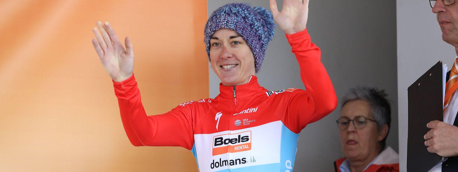 Christine Majerus sur la plus haute marche du podium. Une première sur une course à étapes du WorldTour.