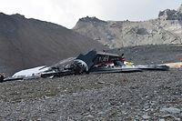 Dieses Foto veröffentlichte die Police Cantonale des Grisons zeigt die Absturzstelle der JU-52 in den Schweizer Alpen.