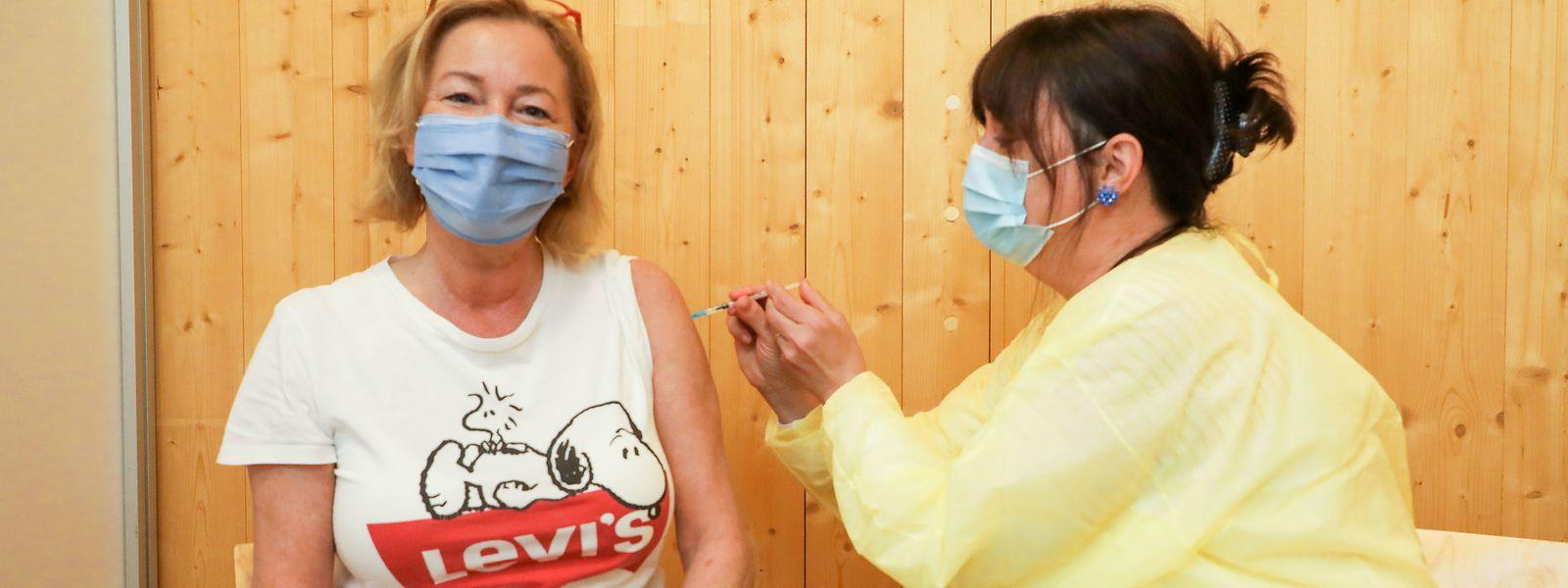 Krankenschwester Myriam Keller impfte die Ministerin.