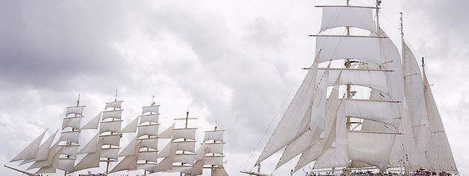 """Eine Premiere gibt es mit der 87. """"Wort""""-Kreuzfahrt: Die Reise geht mit der """"Royal Clipper"""" (links) in die Karibik."""
