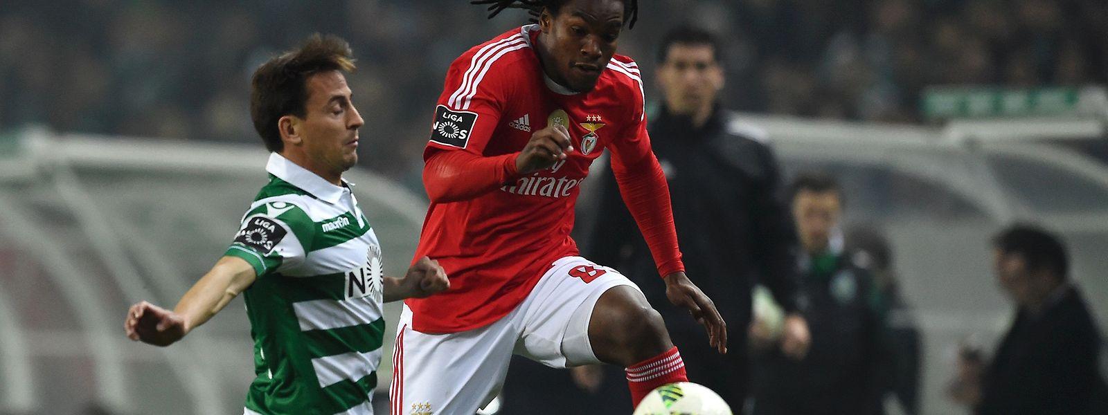 Benfica e Sporting continuam na corrida ao título