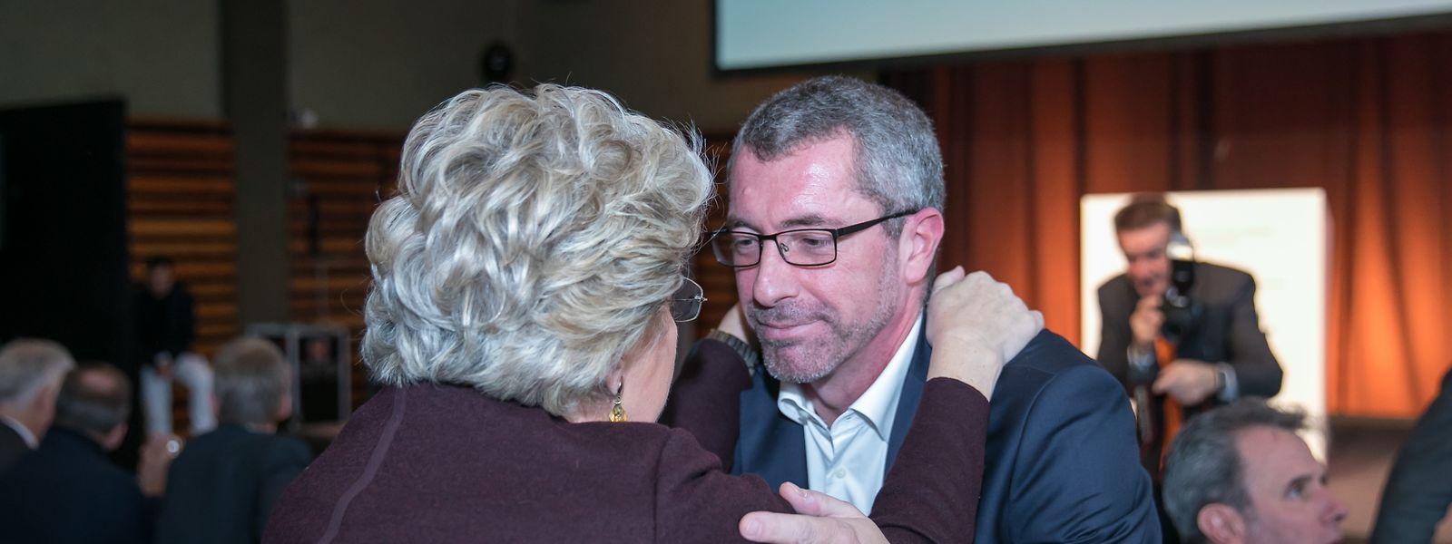 Frank Engel: Glückwunsch von Viviane Reding, die 2014 das erfolgreiche CSV-Sextett bei den Europwahlen anführte.