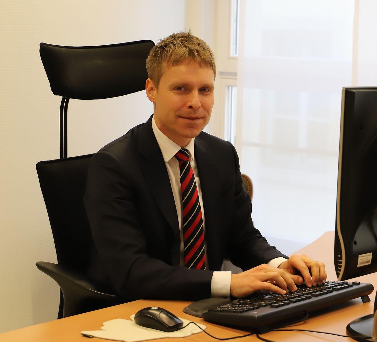 Laurent Scheeck war zuvor im Service des Relations Internationales des Parlaments tätig.