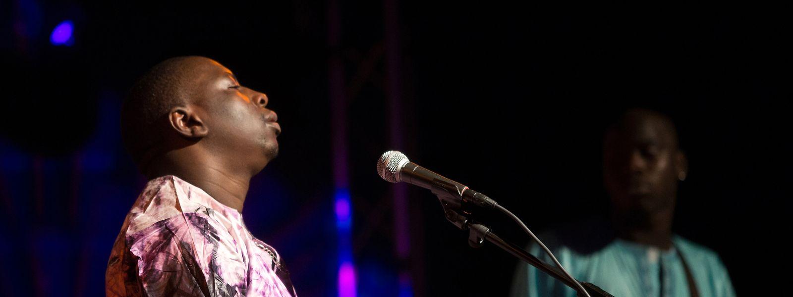 Vieux Farka Touré – hier auf der Atelier-Bühne im Dezember 2014 – gehört zu den Highlights des Festivals.