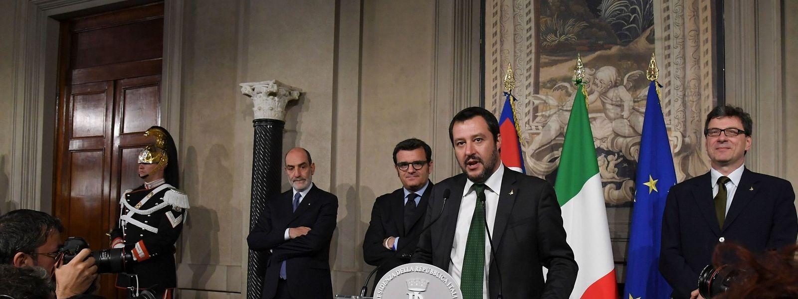 Vollmundige Wahlversprechungen wie Steuererleichterungen und Mindesteinkommen haben es in den Koalitionsvertrag geschafft.