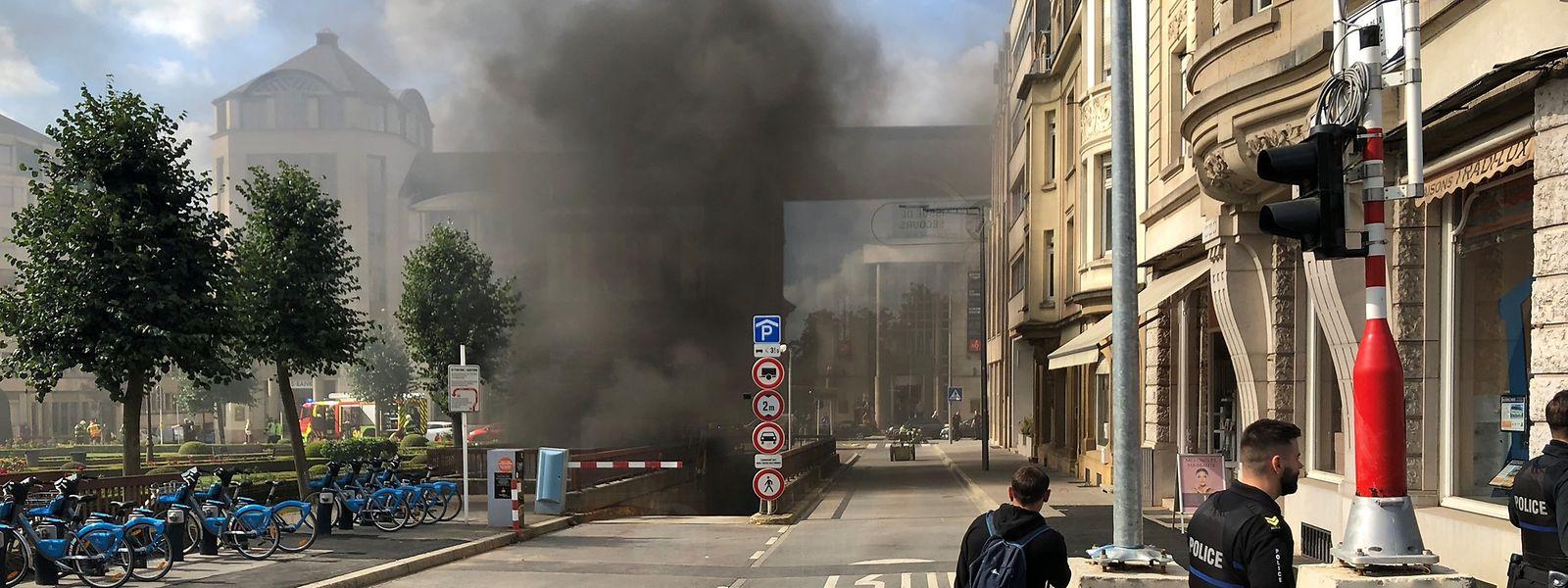 L'analyse de la situation après l'incendie du parking des Martyrs le lundi 9 septembre vers midi a permis au conseil échevinal de livrer son verdict, ce lundi.