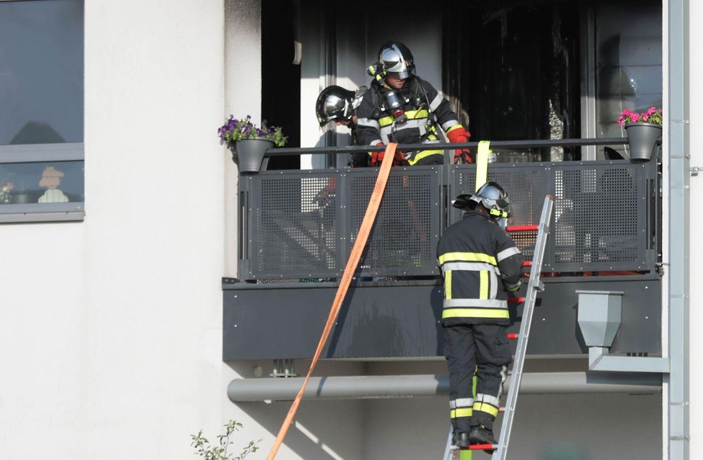 In Kehlen hat es am Donnerstagnachmittag in einem Mehrfamilienhaus gebrannt.