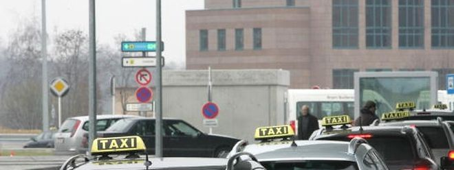 Le bourgmestre Xavier Bettel est fermement disposé à maintenir son projet de réduire les prix des taxis dans la capitale.