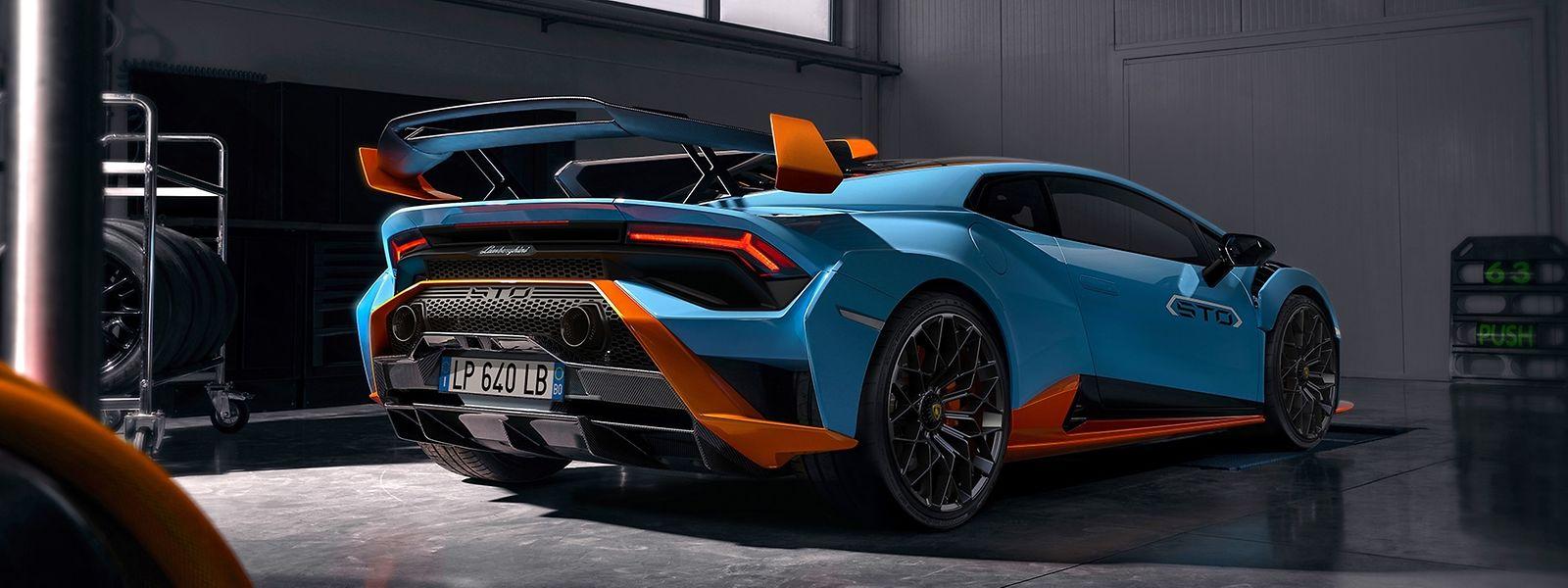 Sportwagenbau gilt als Königsdisziplin der Automobiltechnik – vieles davon wird im Zeitalter der Elektromobilität obsolet - während Lamborghini und Porsche aus dem VW-Konzern bereits umrüsten, hadern andere mit dem Wandel.