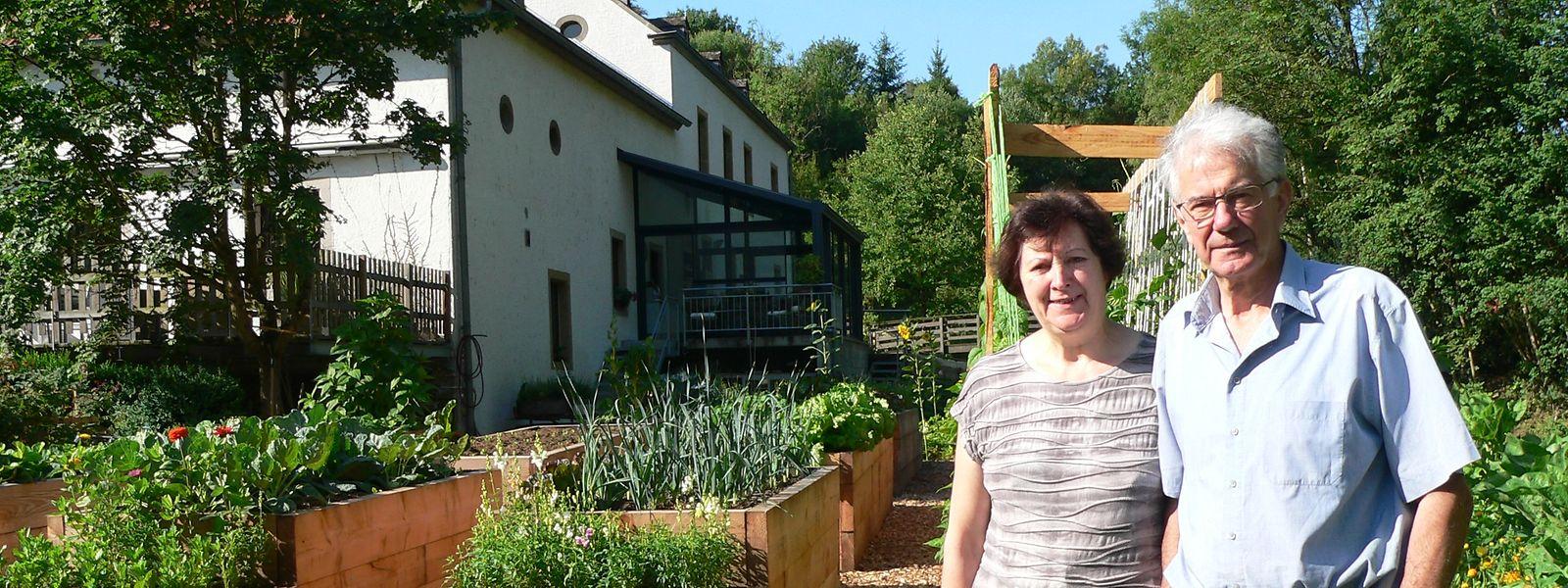 Im Garten von Jos und Maria Mathay herrscht wieder Blütezeit. Das gesamte Gartenareal war im vergangenen Jahr wegggespült worden.