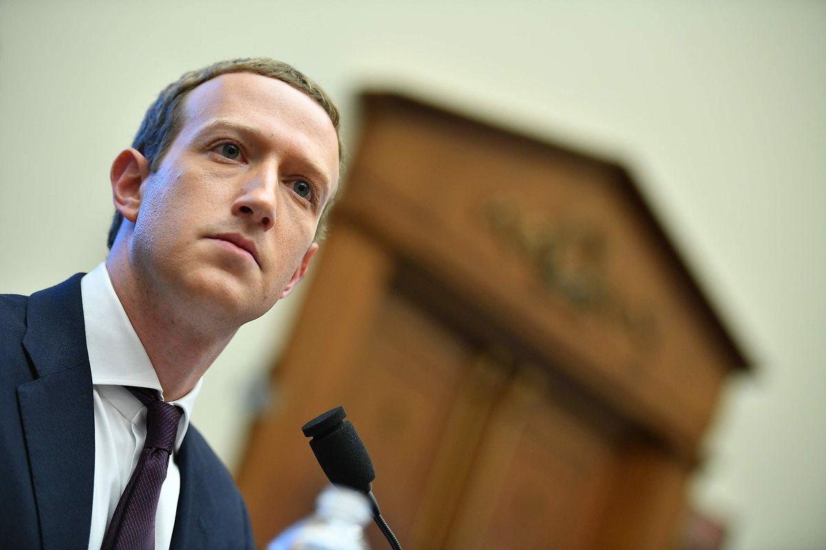 Mark Zuckerberg, le patron de Facebook soutient l'idée de promulguer de nouvelles lois pour mieux réguler les plateformes numériques.