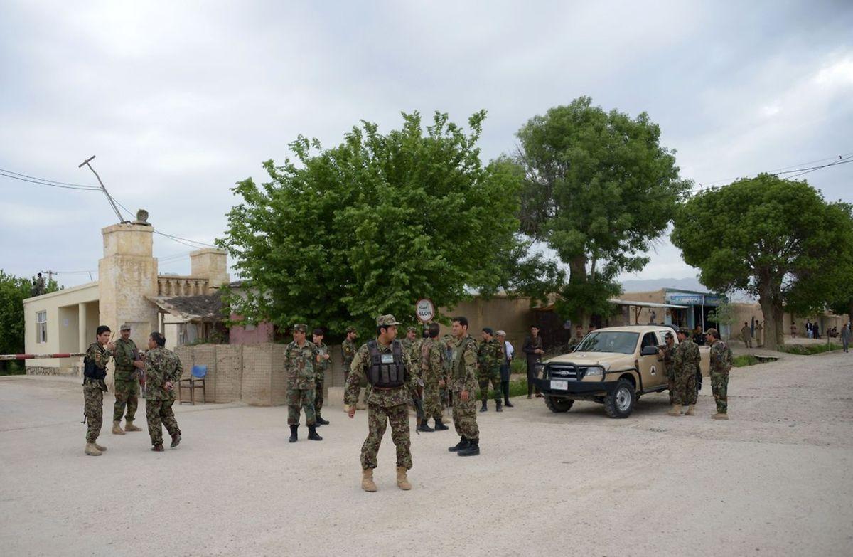L'assaut de la base militaire a commencé en début d'après-midi, à l'heure de la prière du vendredi.