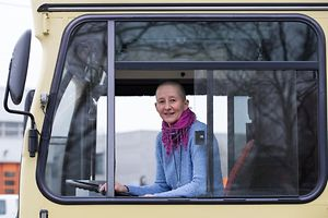 Portrait de Martine Reichling, conductrice de bus, de la Ville de Luxembourg, Autobus, VDL, , le 3 Avril 2015. Photo: Chris Karaba
