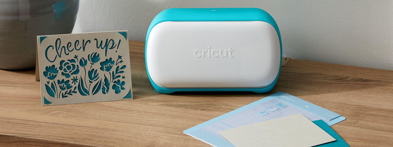 """Mit einem Plotter wie dem """"Joy"""" von Cricut lassen sich etwa Grußkarten mittels Schneidetechnik herstellen."""