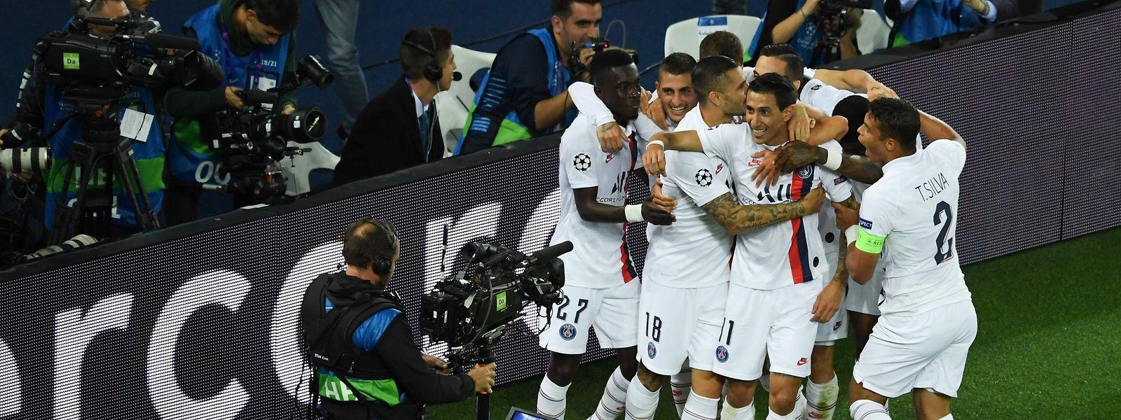 Paris SG triumphiert vor heimischer Kulisse.