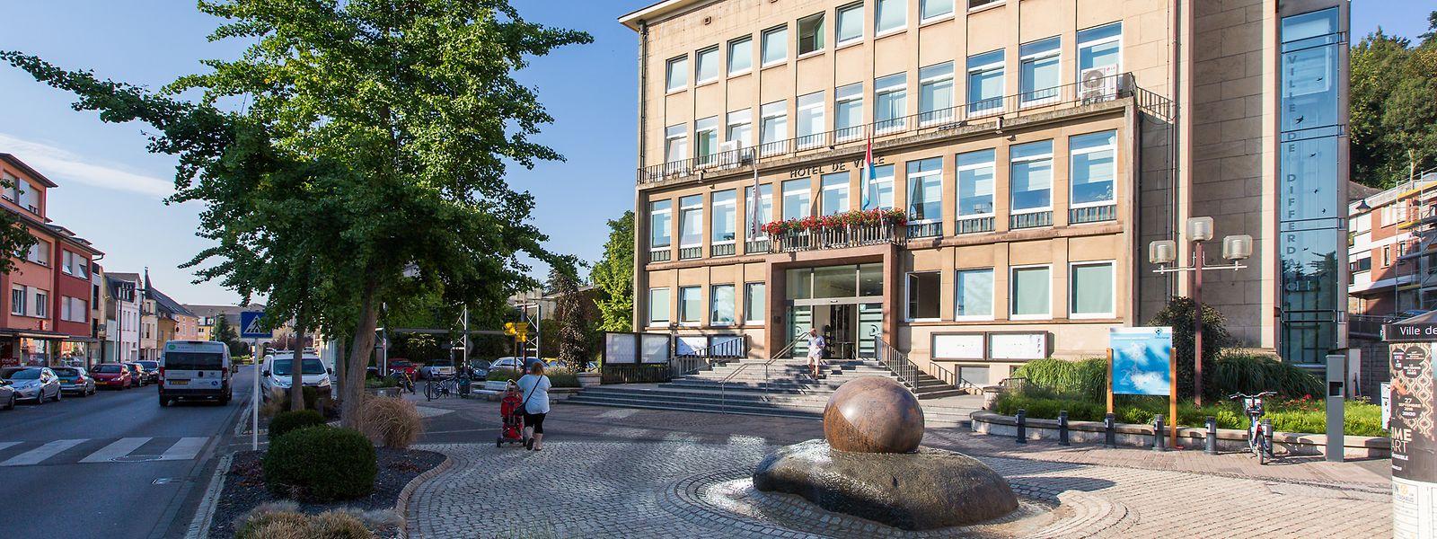 Im Differdinger Rathaus gibt es viele verschiedene Ansichten über die Ereignisse der vergangenen Tage.