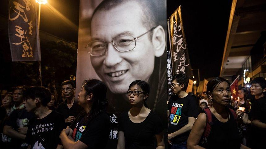 Marche en souvenir du Prix Nobel de la Paix, Liu Xiaobo, à Hong Kong le 15 juillet.