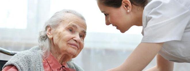 2015 wurden ungefähr 850 der 2300 demenzkranken zu Hause betreut.