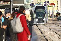 Noch fährt die Tram lediglich zwischen Luxexpo und Stäreplaz hin und her. Ende des Jahres geht es weiter über den Boulevard Royal ins Bahnhofsviertel. Ab dem 1. März fahren Passagiere zudem kostenlos mit - genau wie in Bus und Bahn.
