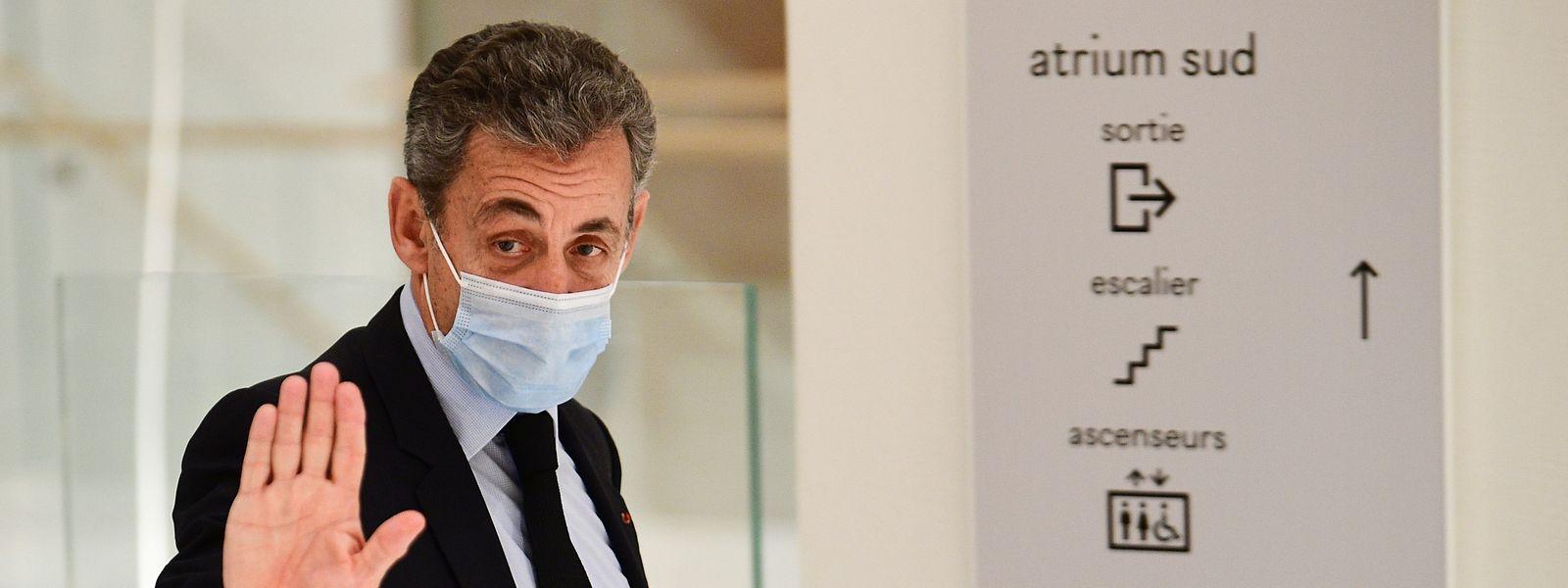 Sarkozy am Dienstag beim Verlassen des Gerichtsgebäudes.